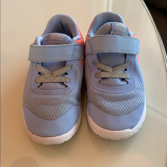 Nike Other - Nike sneakers size 9